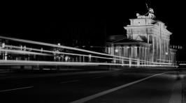 Branderburger To Nachtaufnahme - schwarz/weiß