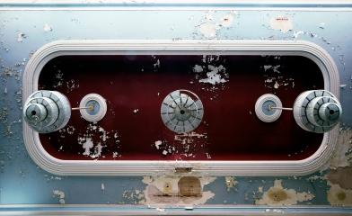 Decke ballsaal mit Leuchter - Lost Place Hotel Eisenach