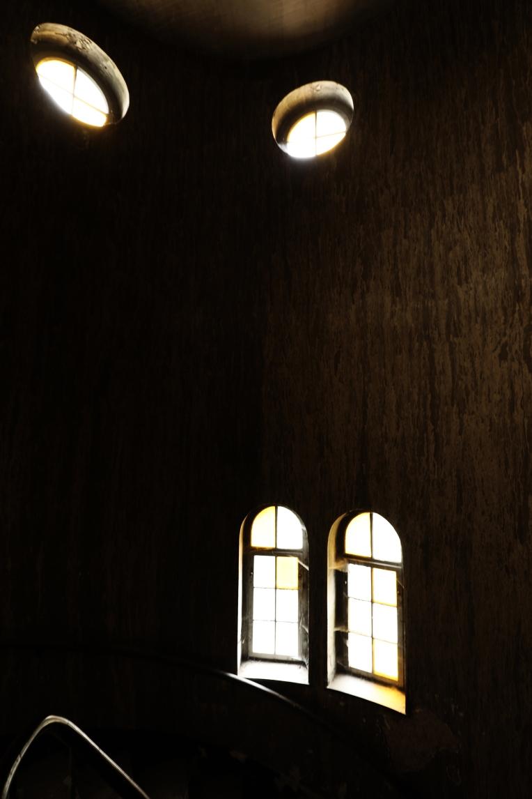 Fenster altes Treppenhaus Hotel - Lost Place