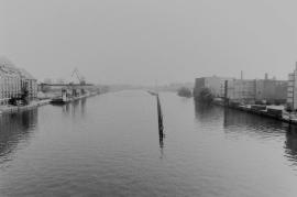 Geteilte Spree 1990 - mit ehemaligen Grenzanlagen und Osthafen