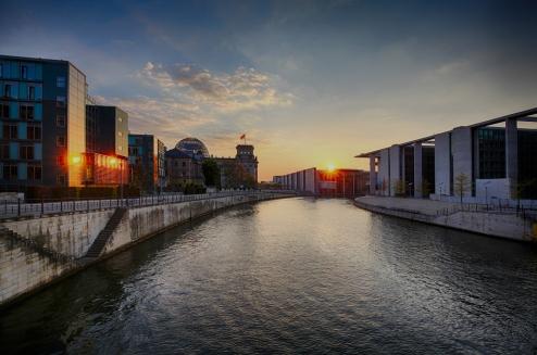 regierungsviertel_Berlin_littleFluffyCloudsHiREs