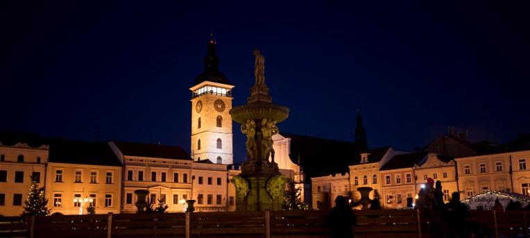 Schwarzer Turm bei Nacht České Budějovice - Budweis