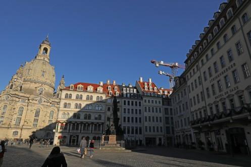 Rekonstruierter Neumarkt mit Frauenkirche Dresden