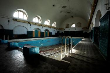 Verbotene Stadt Schwimmbad Wünsdorf